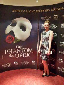 Der Theatergeist zu Besuch beim Operngeist.