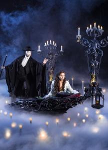 Christin & das Phantom. Eine der besten Szenen des Stücks. Foto: Brinkhoff/Mögenburg, Hamburg