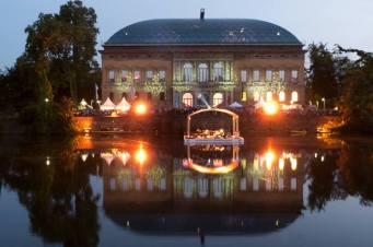 Das beleuchtete Ständehaus Foto: Christian Prol