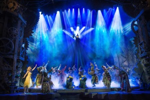 Defying Gravity im Apollo Victoria Foto: Matt Crocket